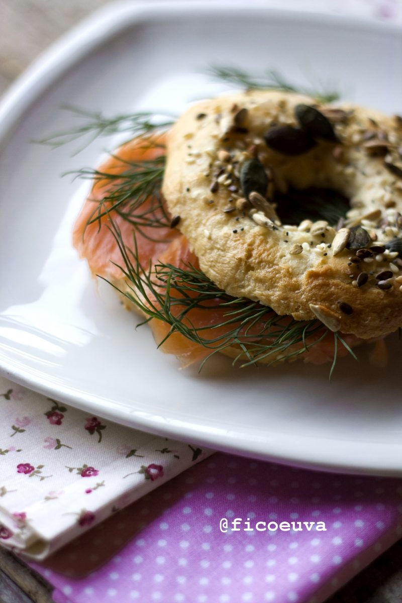 Bagel salmone e aneto
